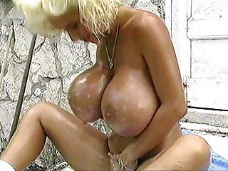 RENNA LEE BIG TITS OIL FUN