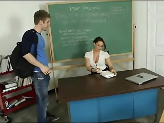 UNG TEACHER TASTE SPERM STUDENT