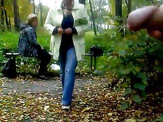 RUS PUBLIC RISKY FLASH WATCHING GIRLS 110