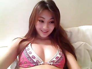 19y old asian webcam girl