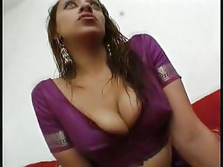 DIAN GIRL WITH BIG NATURAL TITS OPEN HER LEGS