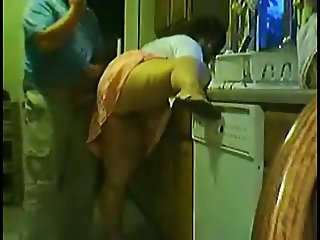 T AMATEUR MATURE FUN IN THE KITCHEN