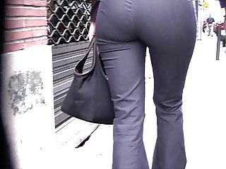NDID ASS IN JEANS 01 SLOW MOTION
