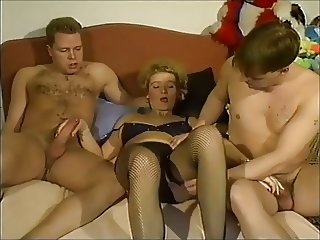 Gruppensex mit Manneruberschuss Part 3