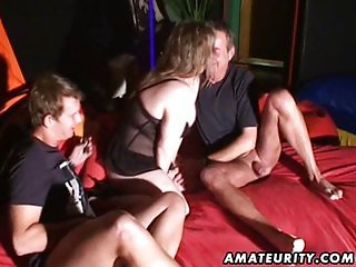 Naughty amateur MILF threesome with mouthful