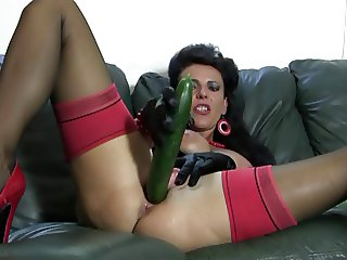 Red heels MILF cucumbers wet pussy and carrots asshole