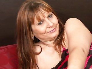 Sexy Mature Do Not Need Cock