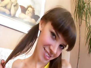 Teen Lenta loves jerkingoff off and feet