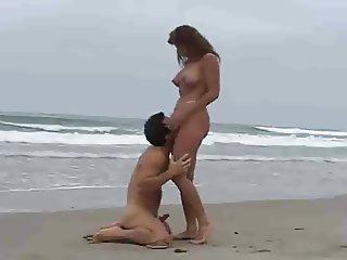 Rica Morena Tetuda Calenturienta Sexual En La Playa