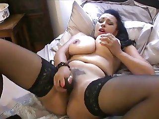 British MILF Dancia playing with herself.