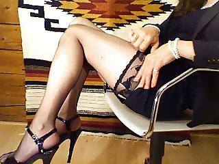 feminized secretary