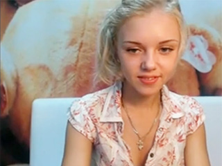 XY TEENY BLONDE WEBCAM SHOW HOME VIDEO